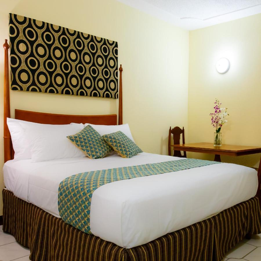 Hotels In Spanish Town