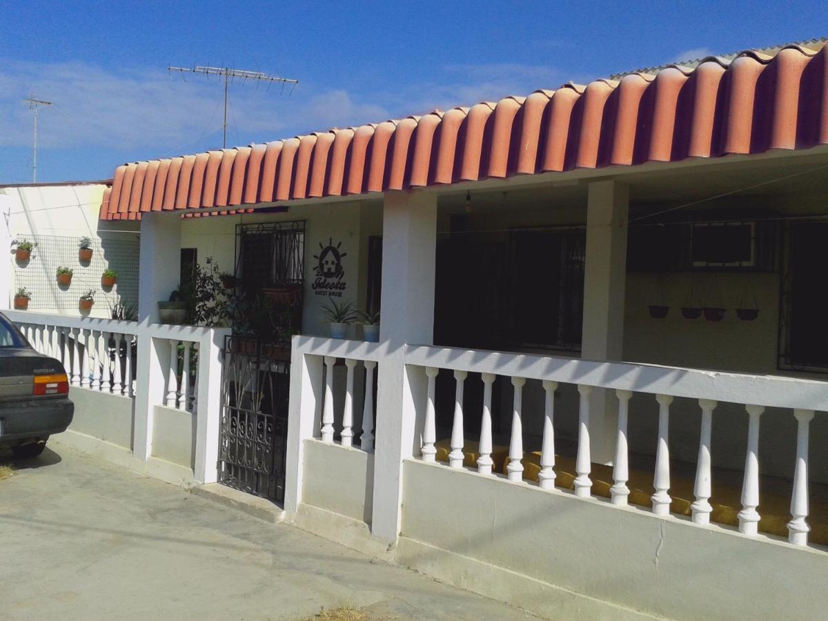 Guest Houses In José Luis Tamayo