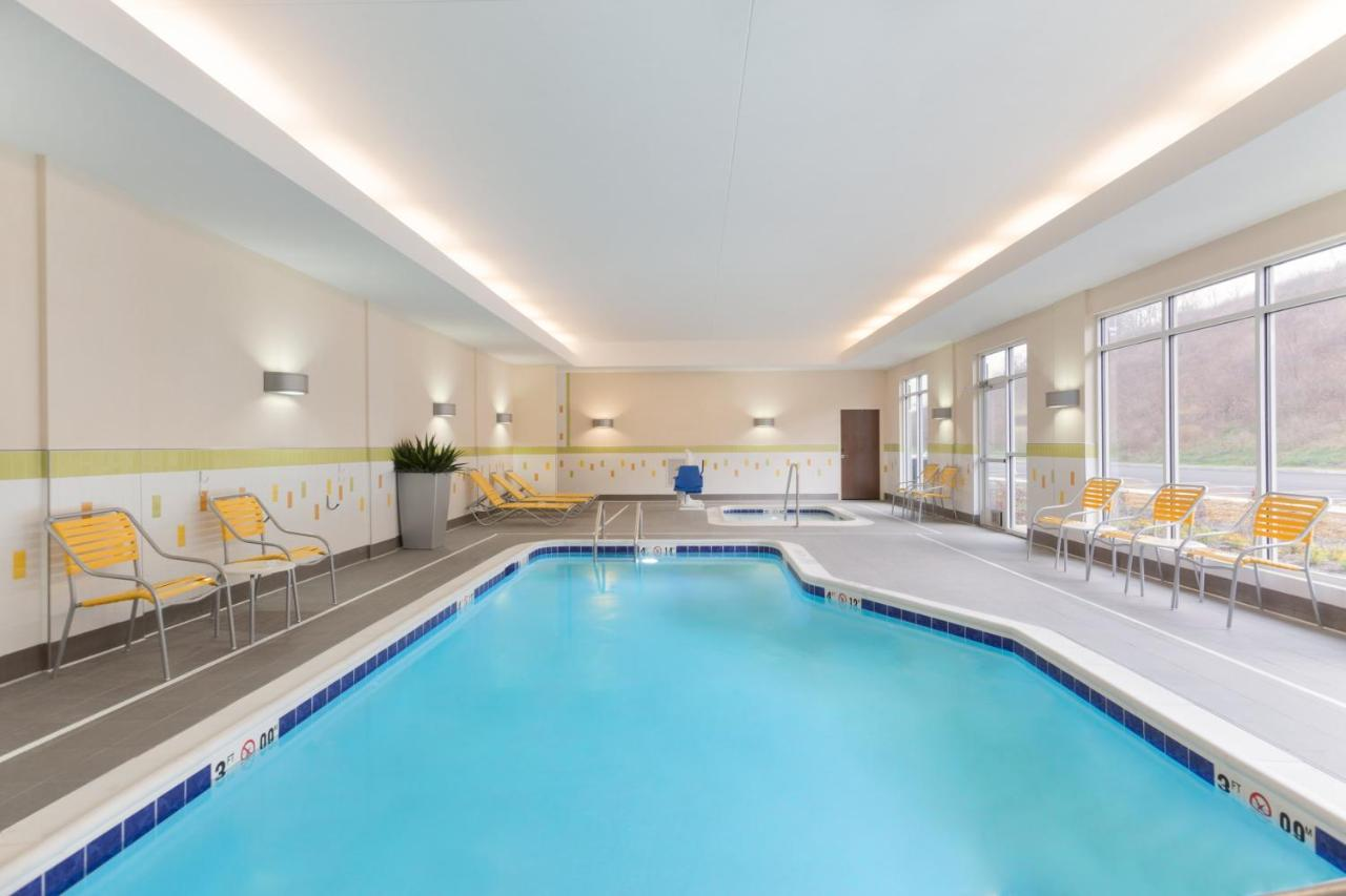 Fairfield Inn & Suites by Marriott Pittsburgh Airport/Robinson Township, PA  - Booking.com