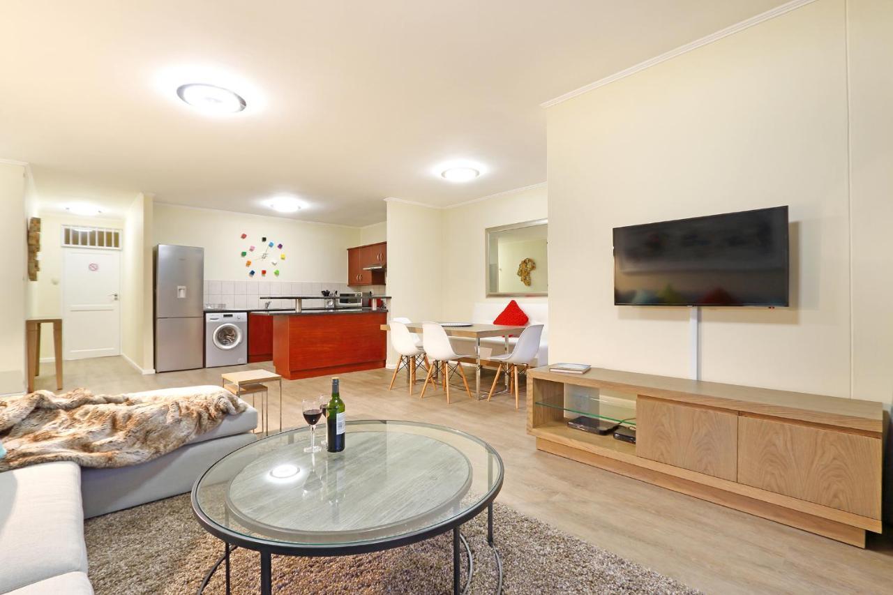 Apartment Capri 101, Cape Town, South Africa - Booking.com