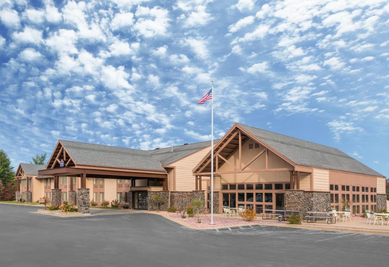 Hotels In Hixton Wisconsin