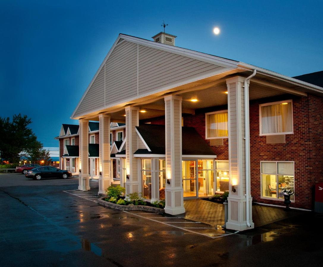Hotels In West Bay Nova Scotia