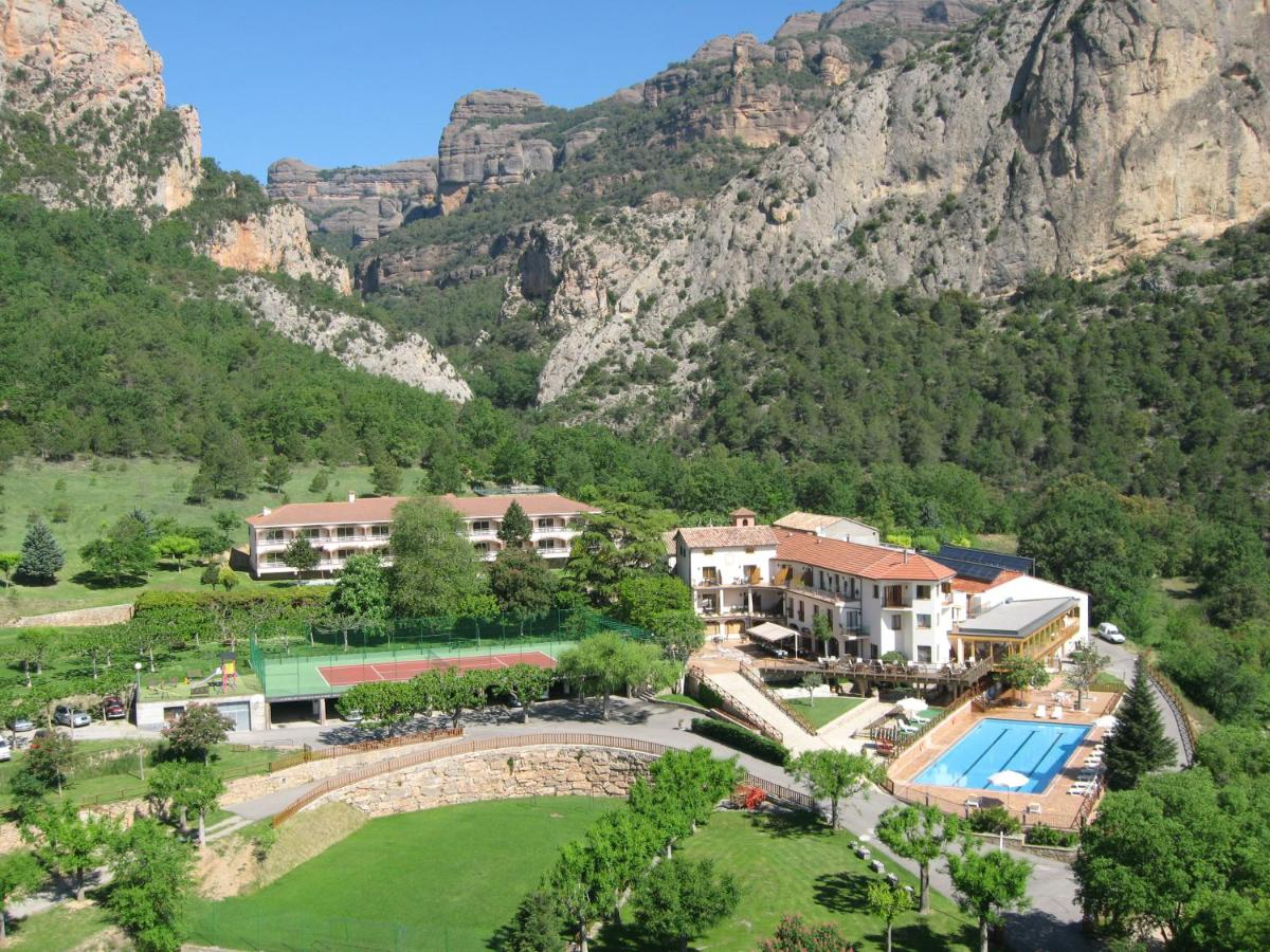 Hotels In Montmagastre Catalonia