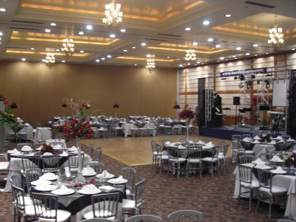 Hotel HoJo Royal Garden Reynosa, Mexico - Booking.com