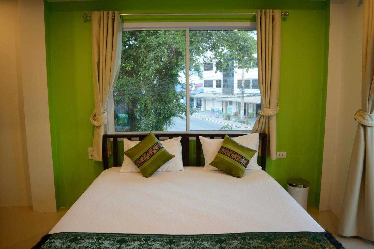 Hostels In Ban Madua Wan Koh Phangan
