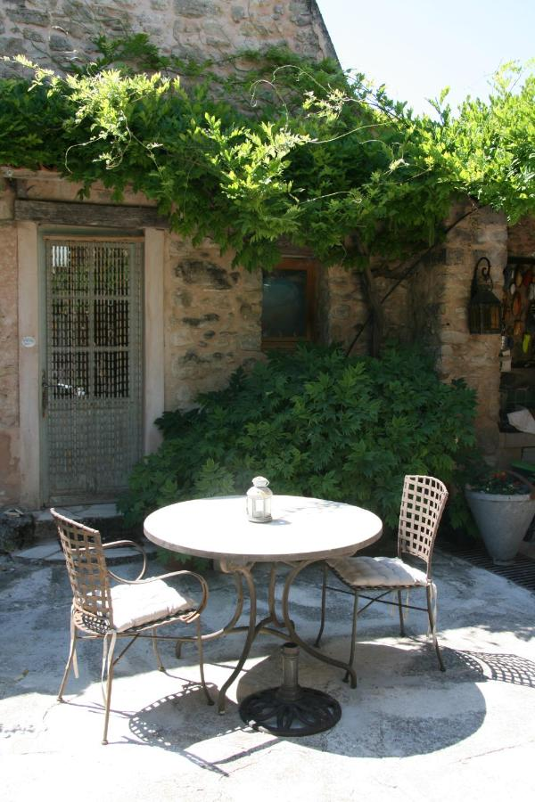 Bed And Breakfasts In Pierrerue Provence-alpes-côte D