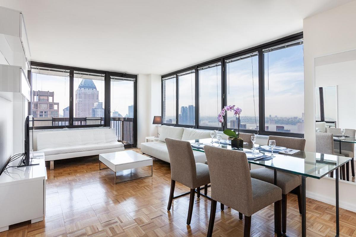 2 Bedroom Luxury Residence On Broadway Near Carnegie Hall, New York ...