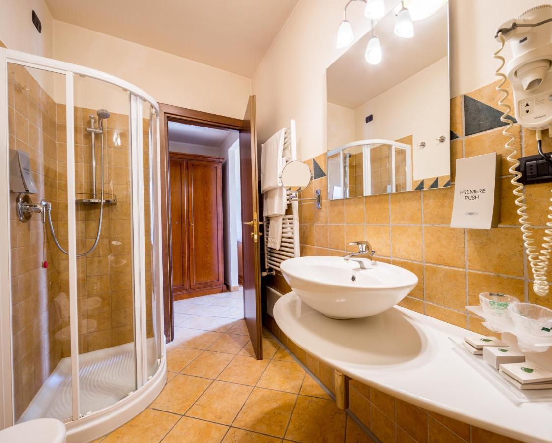 La Credenza San Francesco Al Campo : Best western plus hotel le rondini italien san francesco al campo