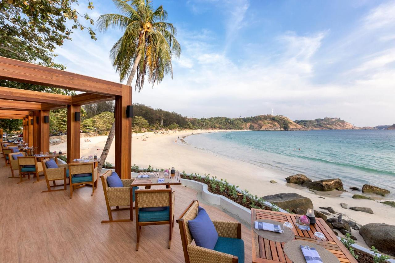 想進一步親身接觸這美麗的海灘,可在附近的度假村住一晚!