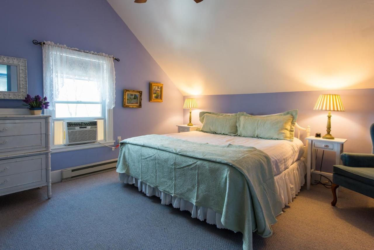 Bed And Breakfasts In West Chop Martha