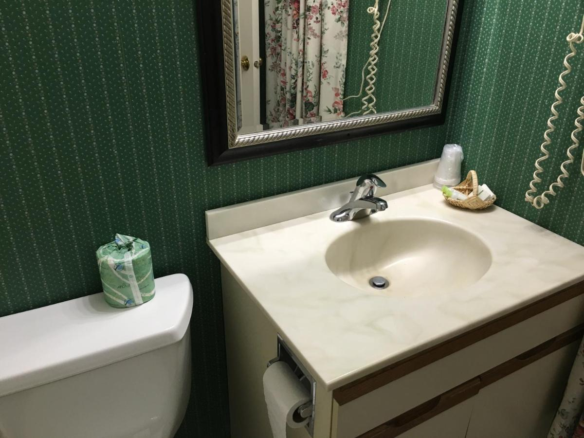 Attractive Villager Bathtub Adornment - Bathtub Design Ideas ...