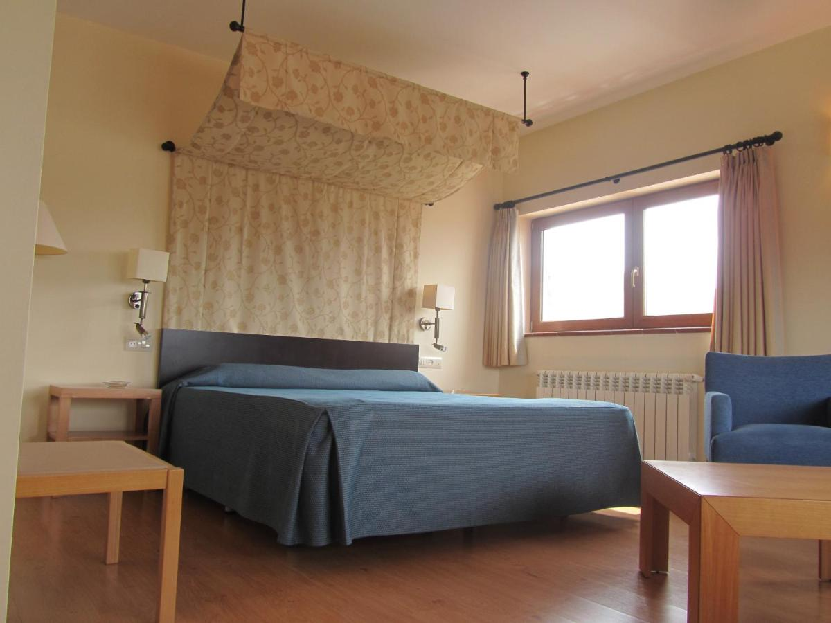 Hotels In Navacepedilla De Corneja Castile And Leon