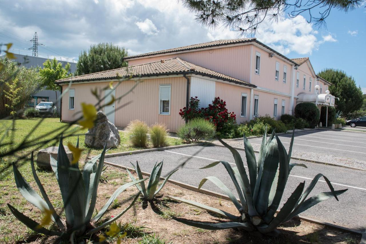 Hotels In Vendémian Languedoc-roussillon