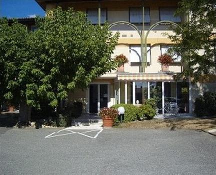 Hotels In Saint-léger Aquitaine