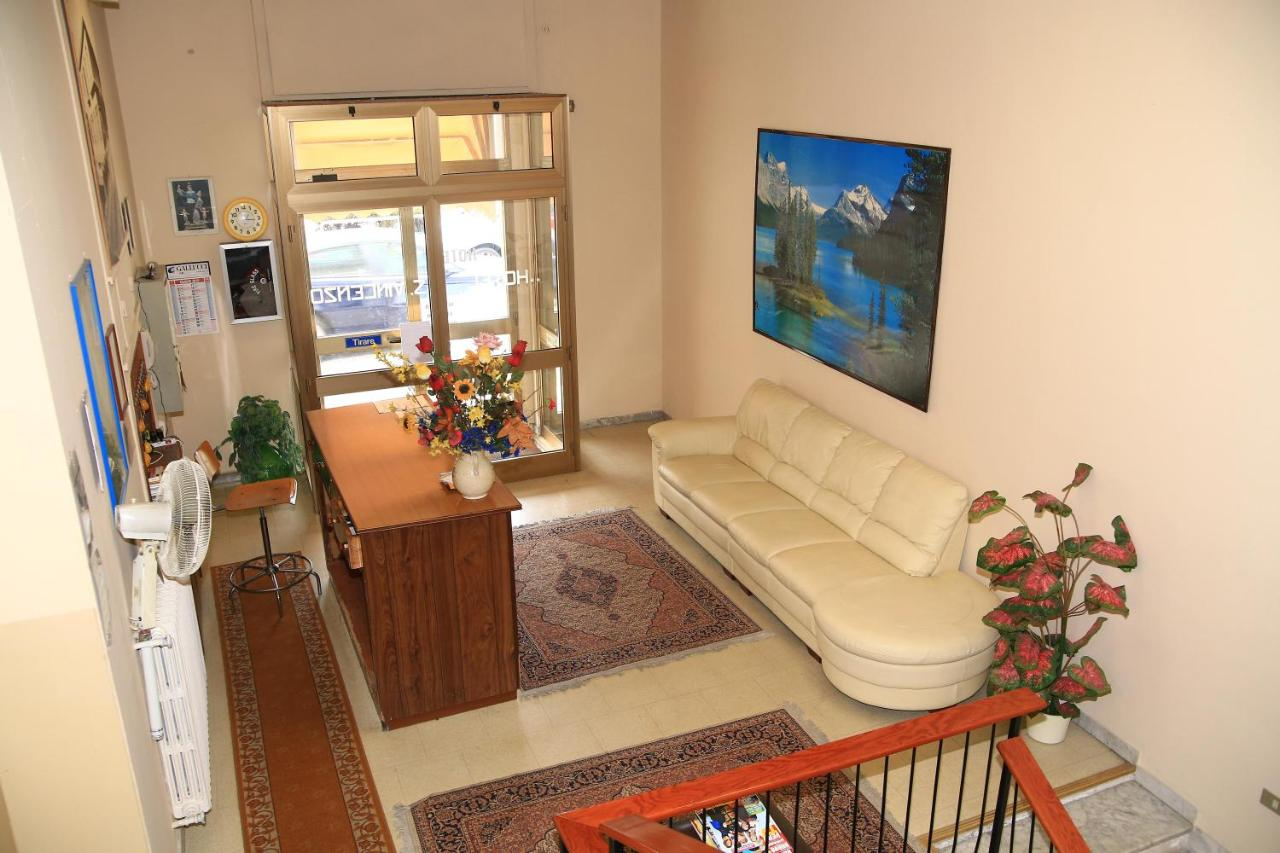 Buy a house in Soverato with land
