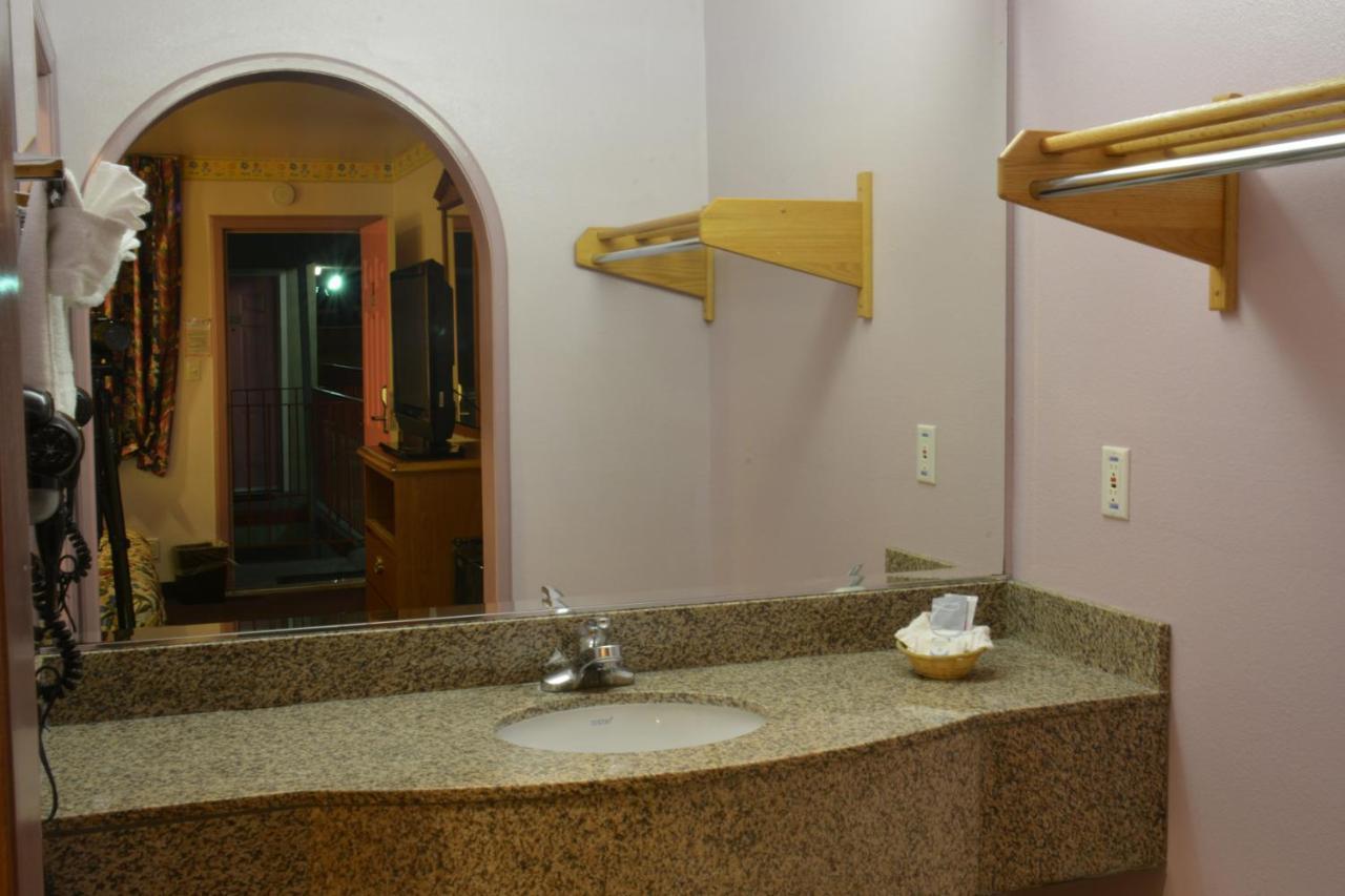 The Flamingo Motel, San Jose, CA - Booking.com