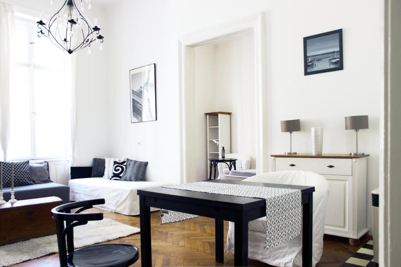 Romantic Downtown Apartments, Budapest, Hungary - Booking.com