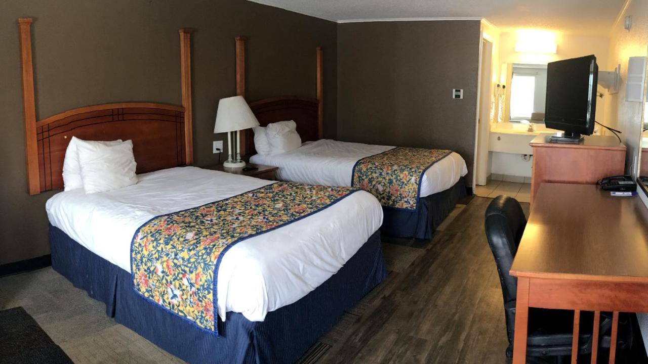 Hotels In Brooklyn Michigan