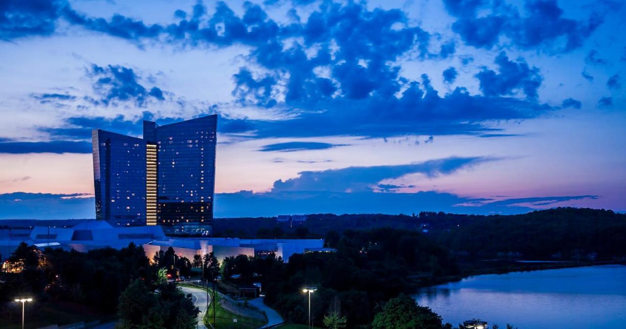 resort mohegan sun casino uncasville ct booking com