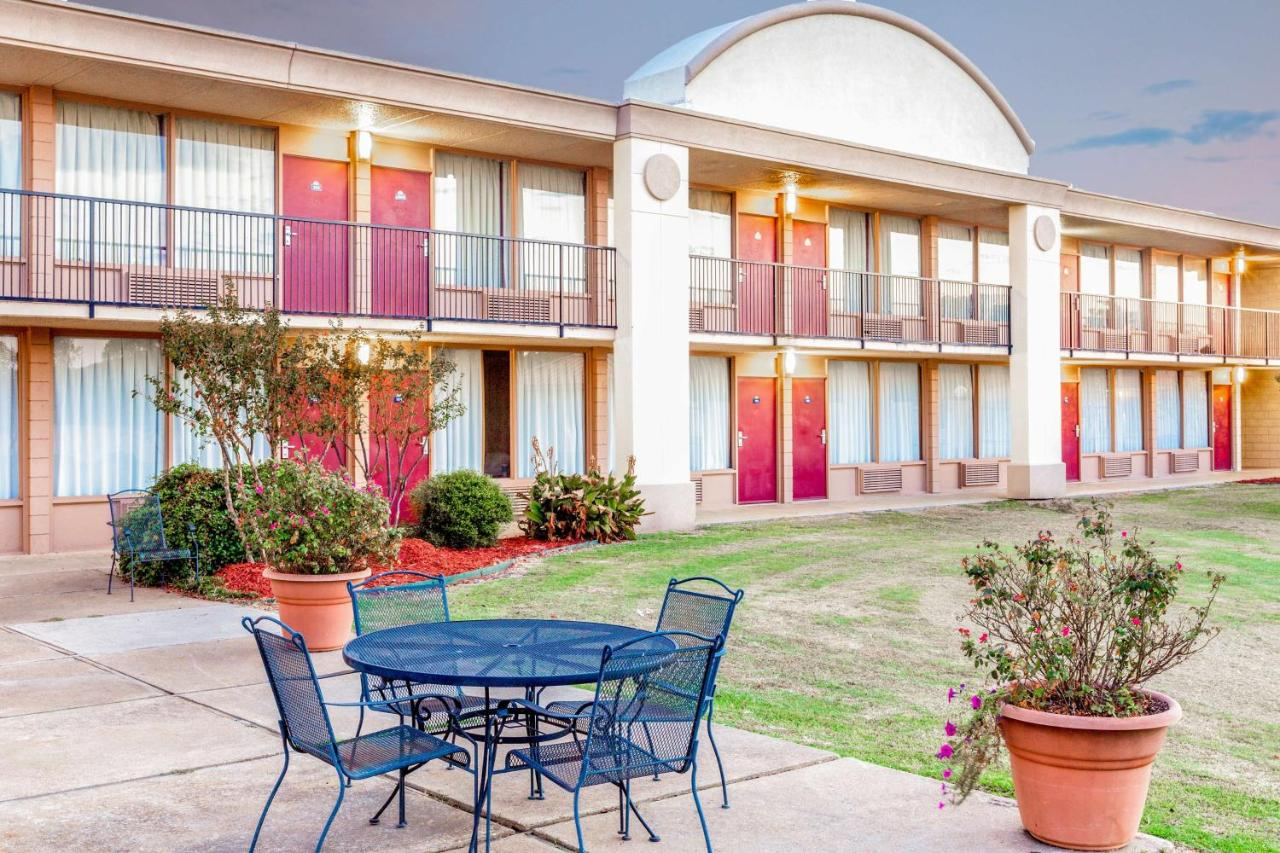 Hotels In Whitney Texas