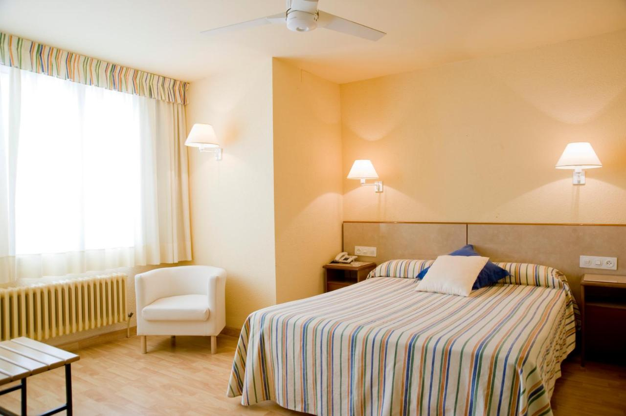 Hotels In Sant Llorenç De Montgai Catalonia