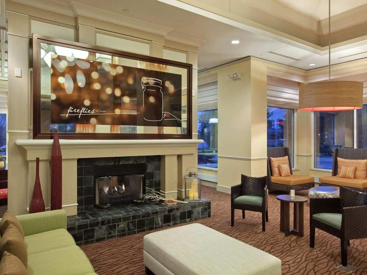 Hotel Hilton Hoffman Estates, IL - Booking.com