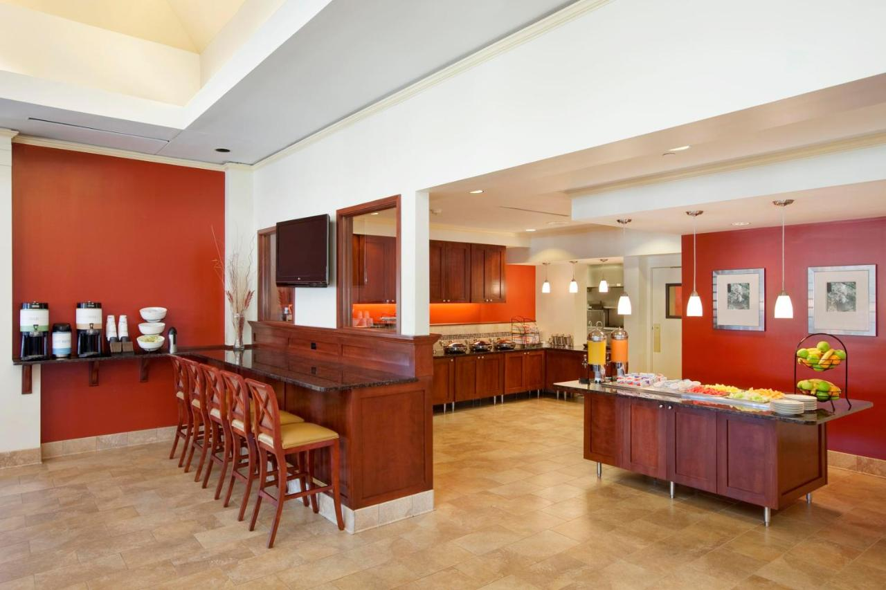 Hilton Garden Inn Oakbrook Terrace, IL - Booking.com