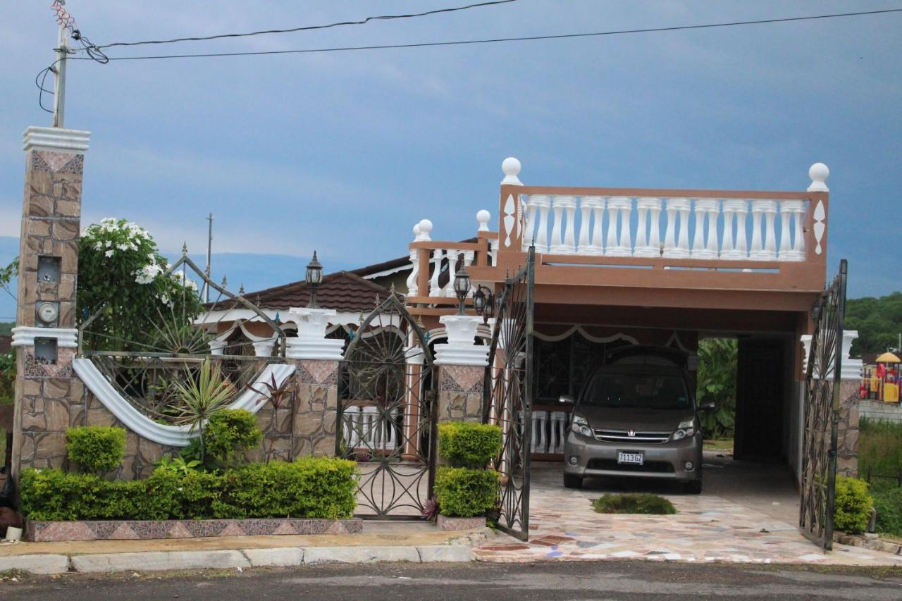 Guest Houses In Rio Bueno Trelawny