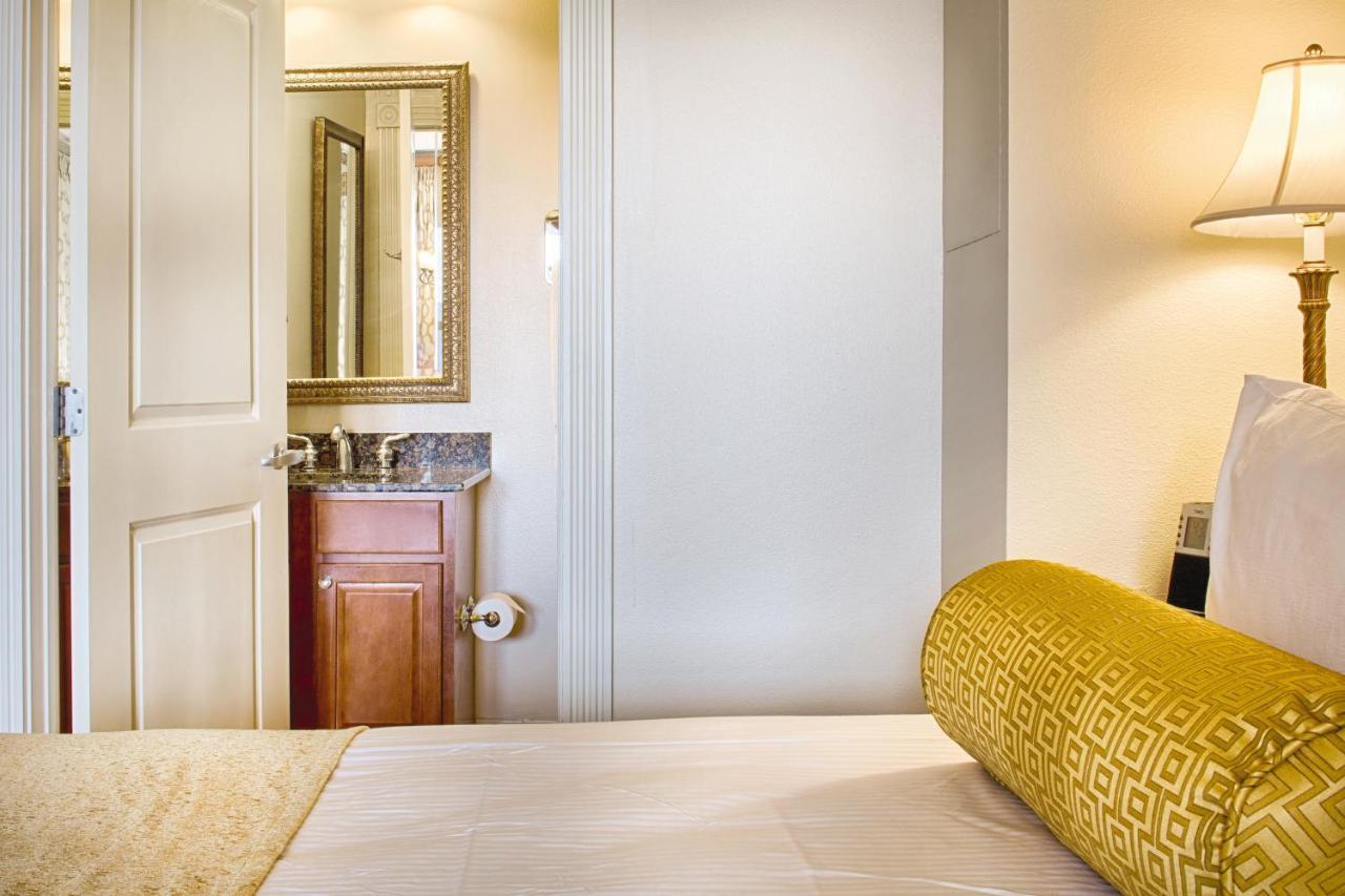 Hotel Wyndham La Belle Maison (USA New Orleans) - Booking.com