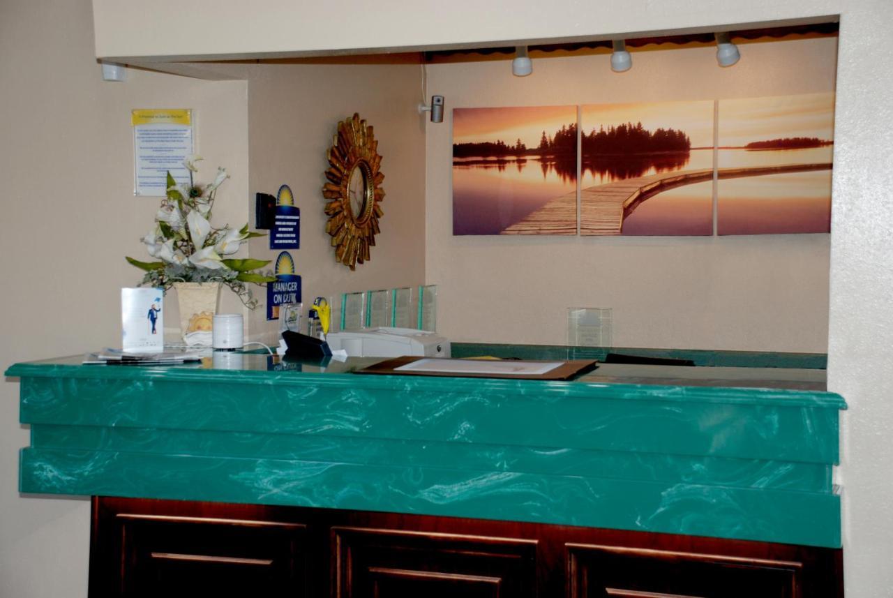 Days Inn by Wyndham Dyersburg, TN - Booking.com