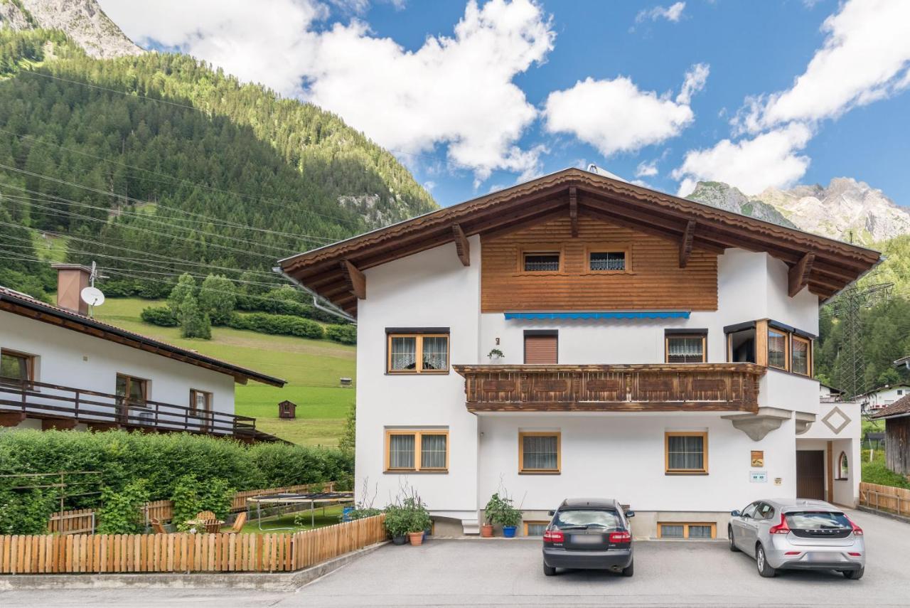 Apartment Haus Schimpfössel, Flirsch, Austria - Booking.com