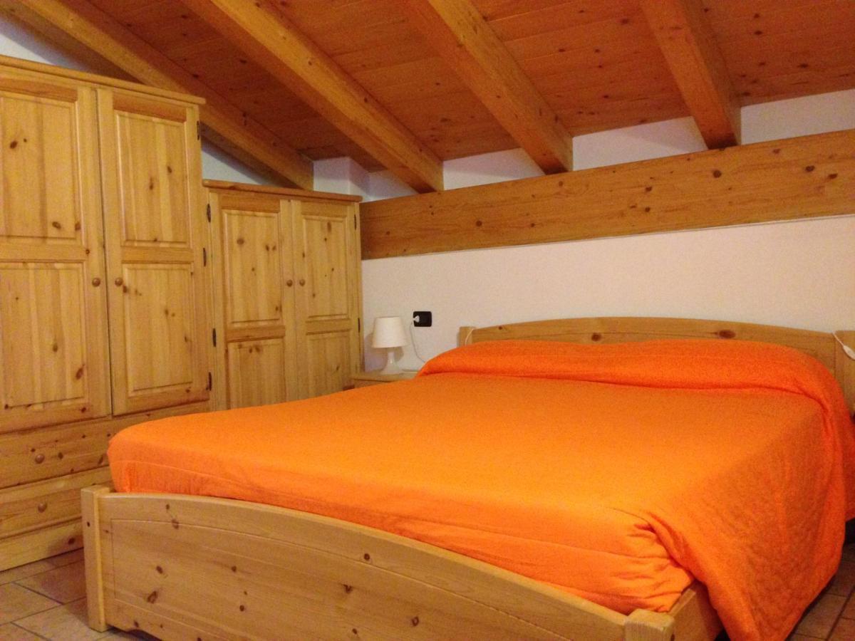 Guest Houses In Alpe Di Bondeno Lombardy