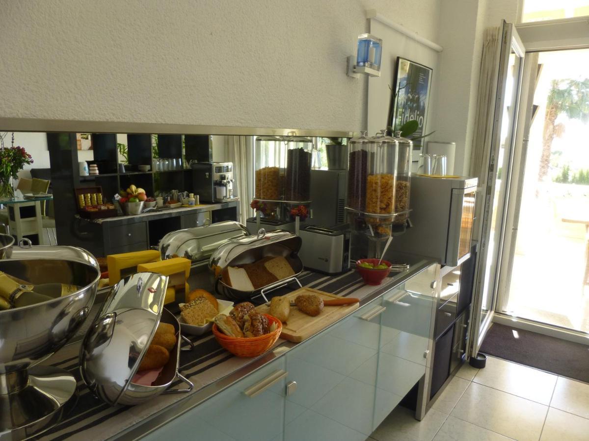 Guest Houses In Serrallonga Valencia Community
