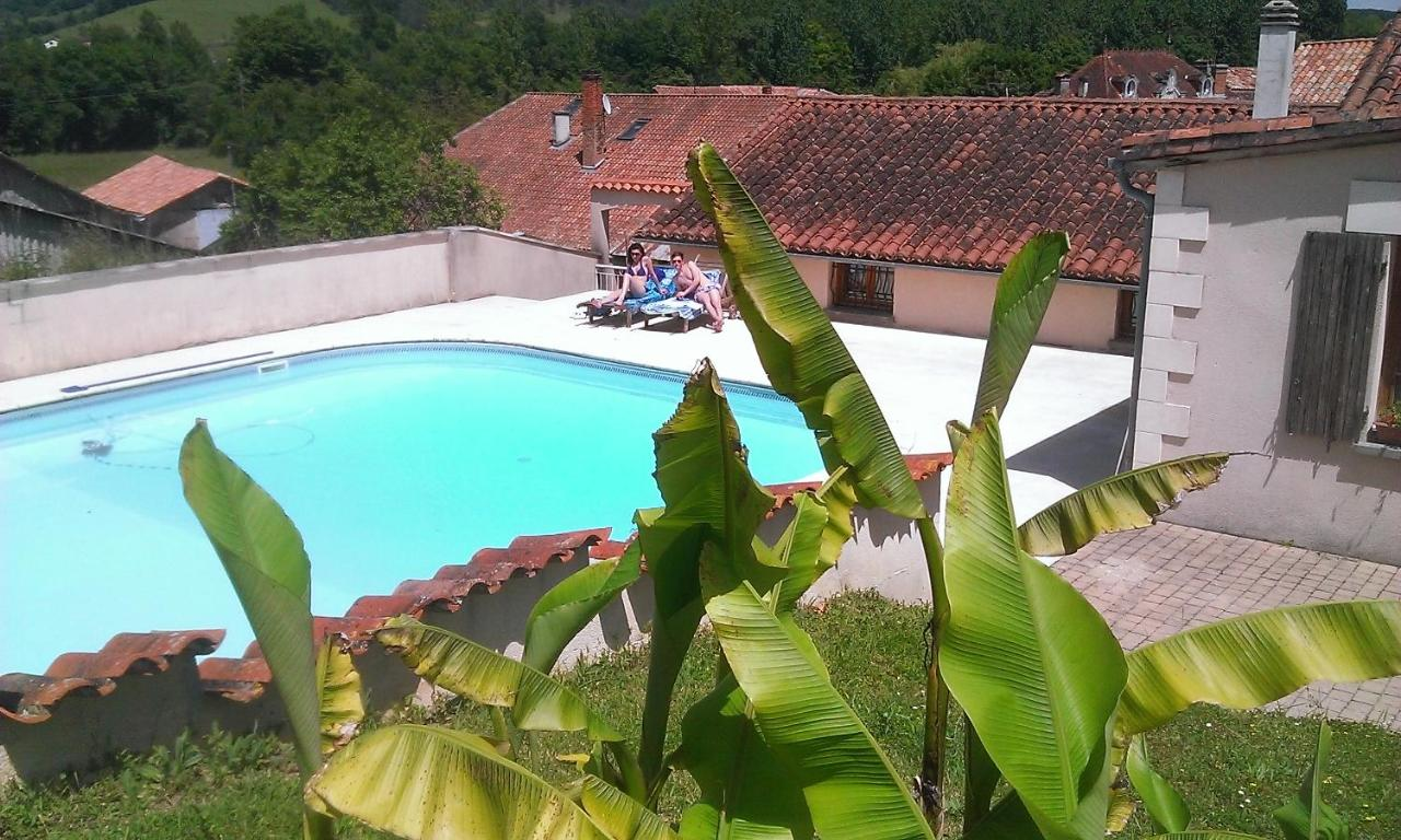 Hotels In Saint-front-de-pradoux Aquitaine