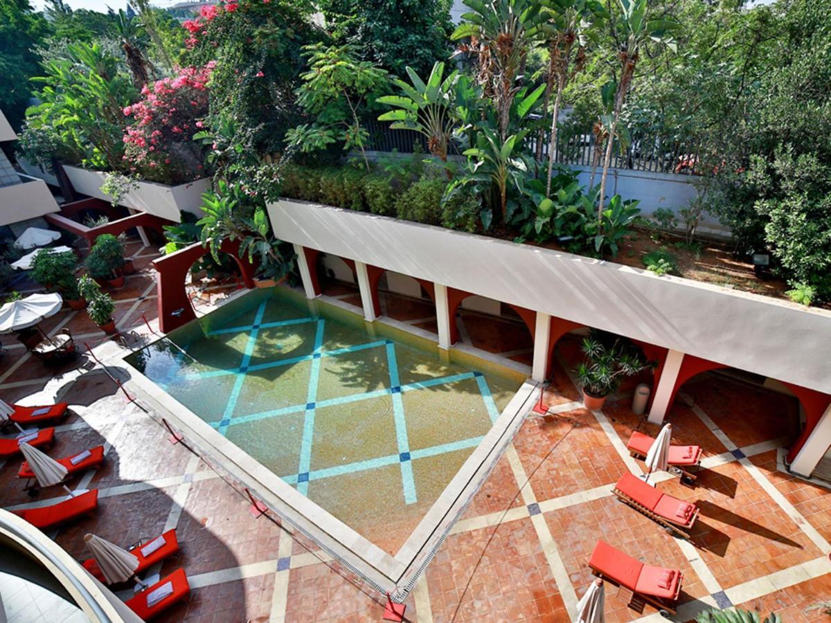 +146 Backyard Leisure Holdings | Home Decor