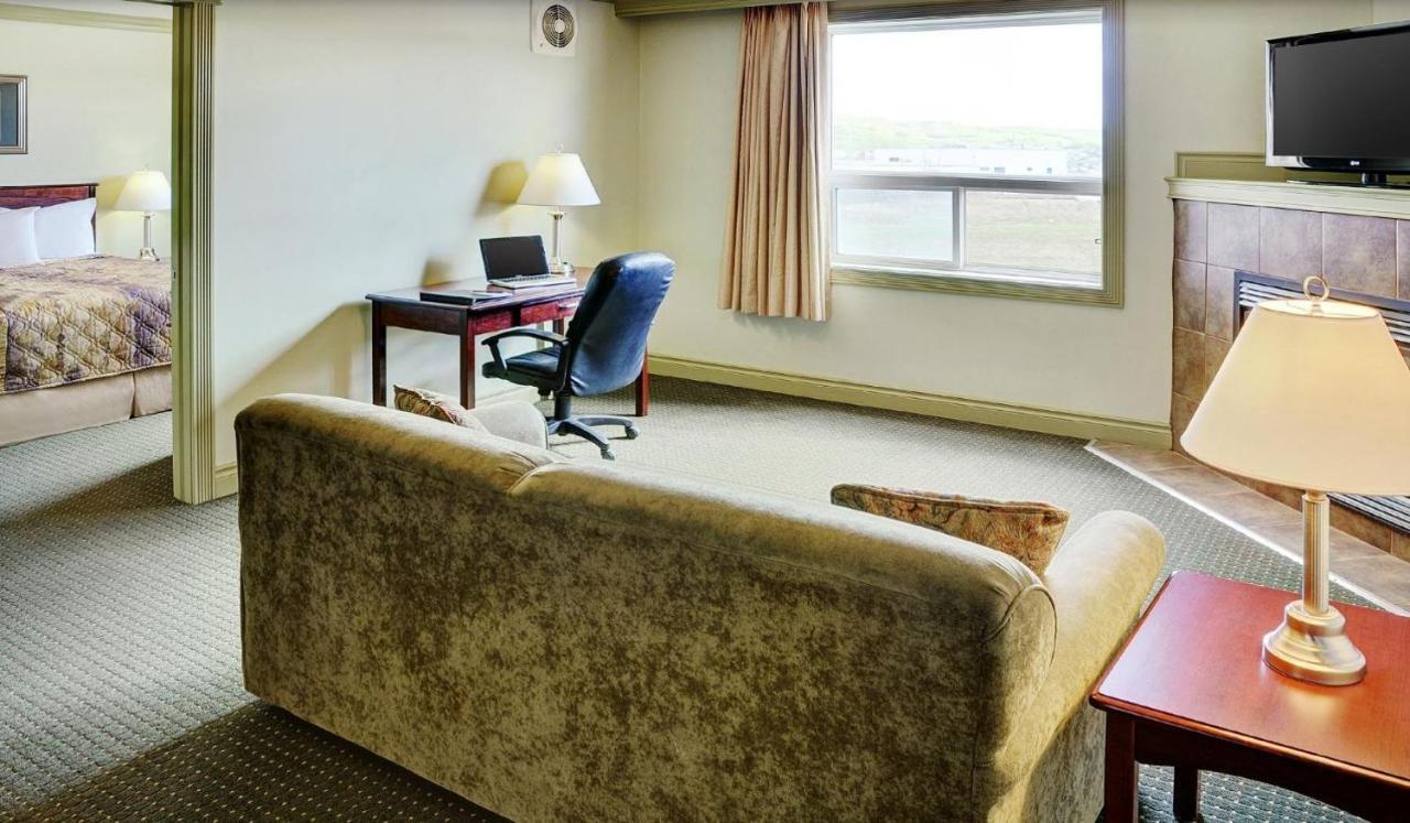 Hotels In Peace River Alberta