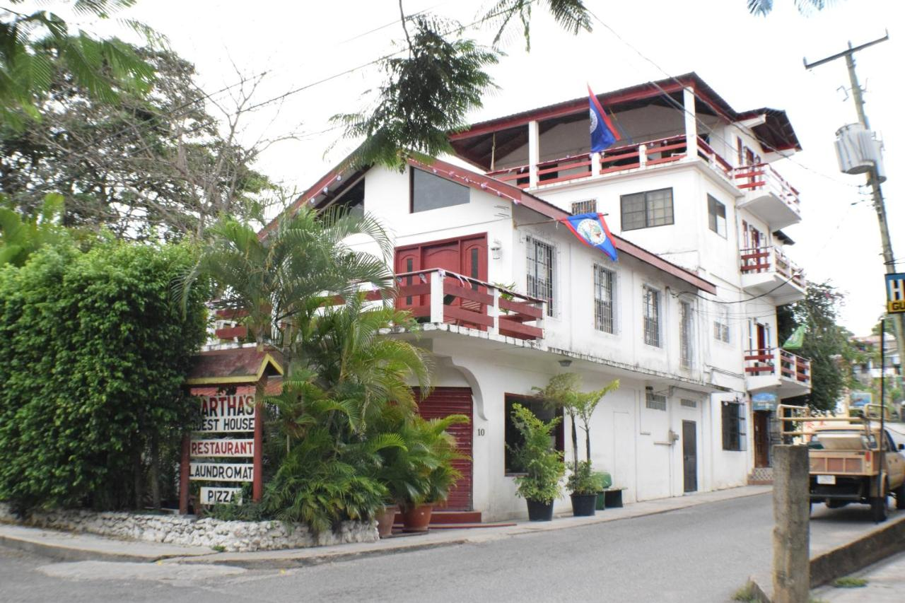 Guest Houses In Teakettle Village Cayo