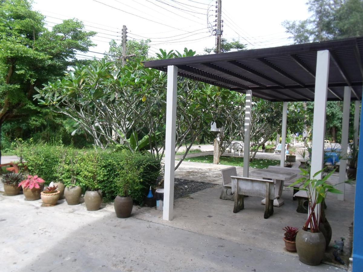 guesthouse albatros thungwualaen chumphon thailand booking com