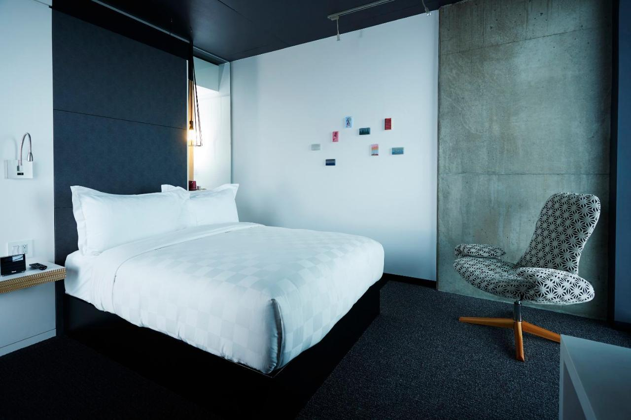 Alt Hotel Winnipeg, Canada - Booking.com