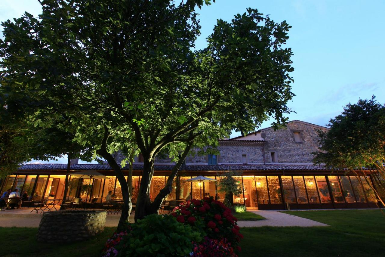 Hotels In Plats Rhône-alps
