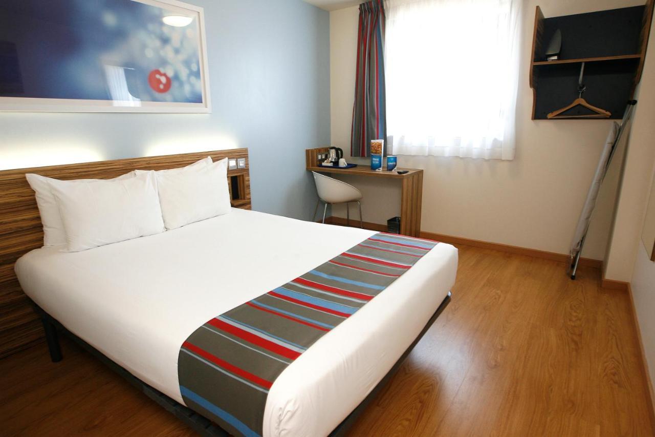 Hotels In El Carrer Del Canonge Catalonia