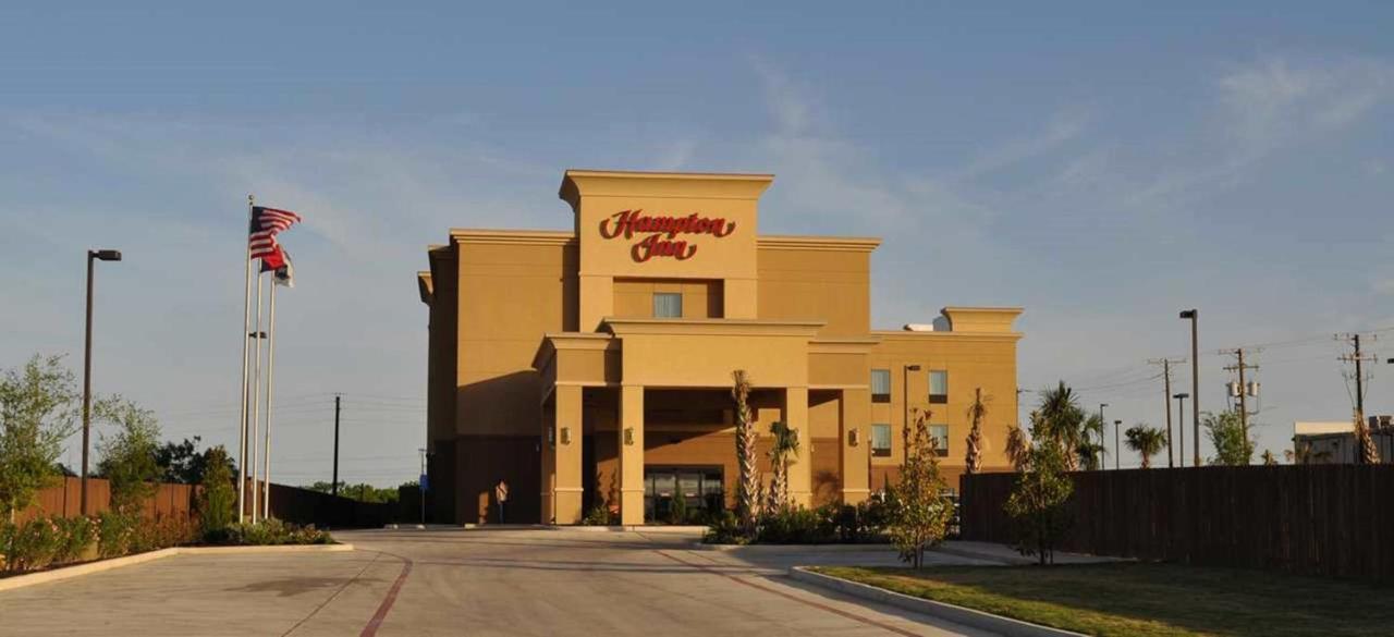 Hotels In Loire Texas
