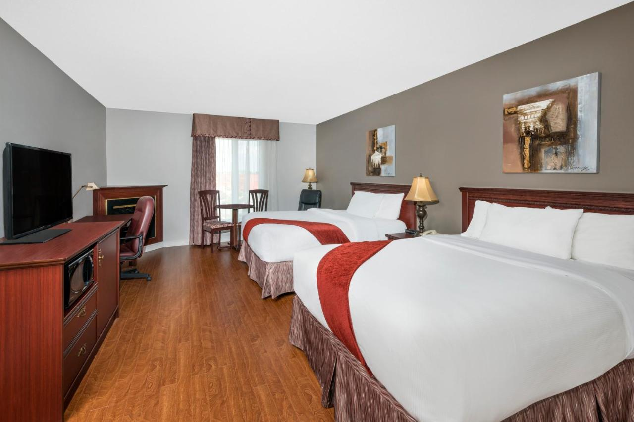 Hotels In Luskville Quebec