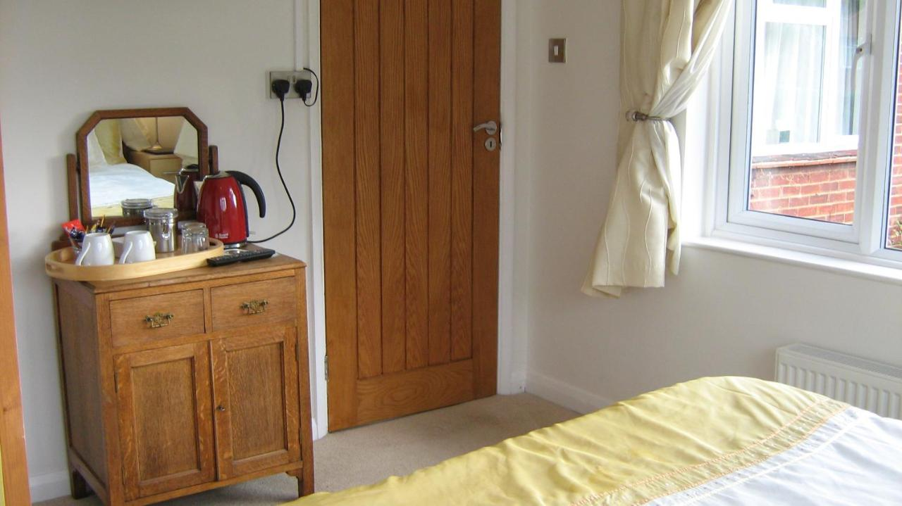 Savannah Bed and Breakfast, Virginia Water, UK - Booking.com
