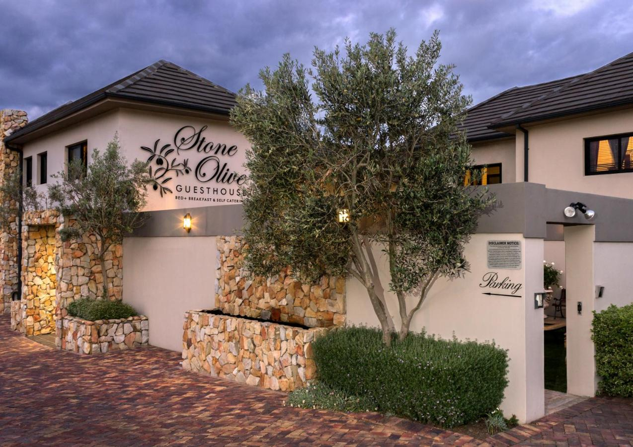 Guesthouse Stone Olive, Jeffreys Bay, South Africa - Booking.com