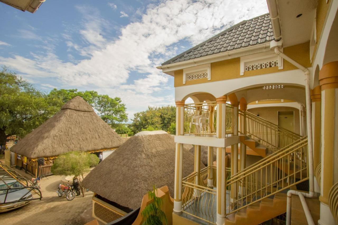 Tropical Savannah Guesthouse, Kasese, Uganda - Booking.com