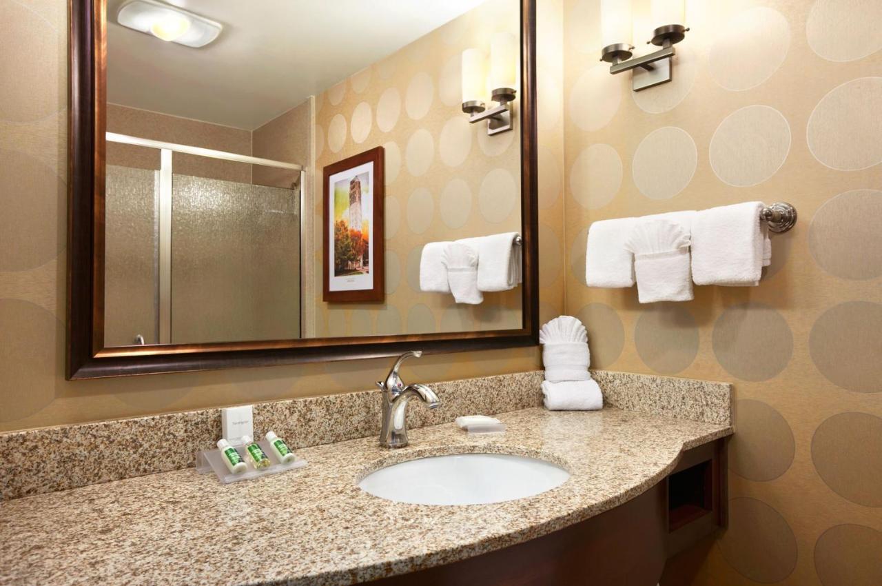 Hilton Garden Inn Ann Arbor, MI - Booking.com