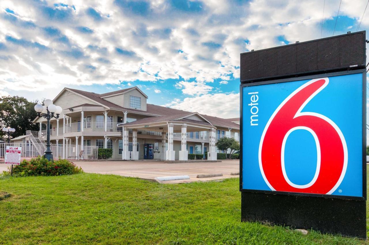 Hotels In Red Oak Texas