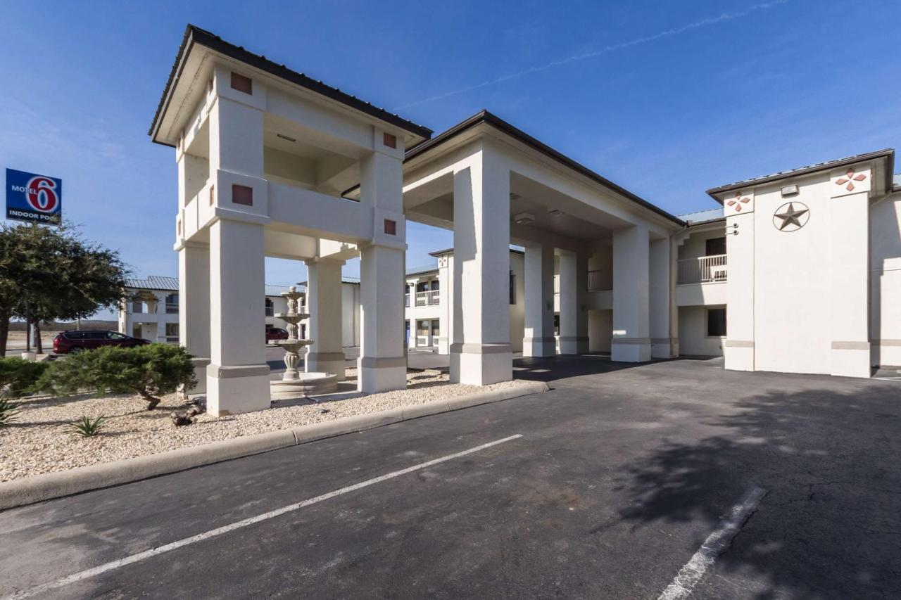 Hotels In Junction Texas