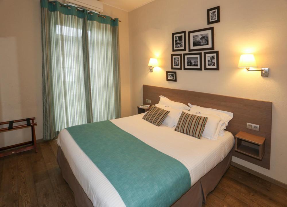 Hotels In Riventosa Corsica